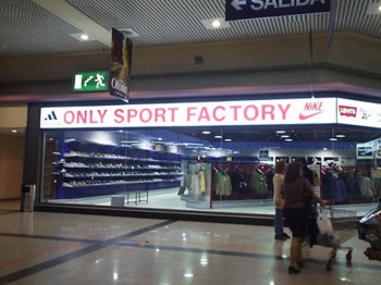 Letrero luminoso centro comercial